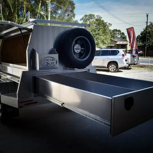 Trailer-with-Slideout-Drawers